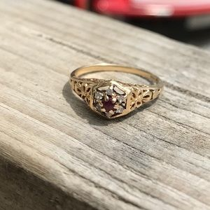 Jewelry - Vintage ruby and diamond ring